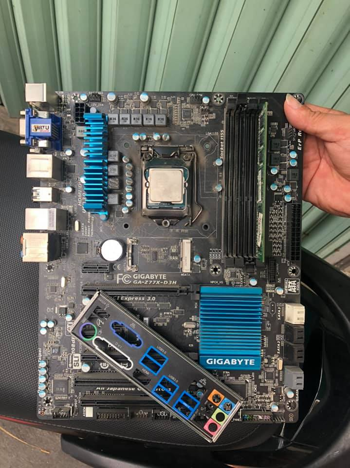 Main gigabyte .GA -Z77-D3H